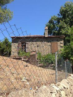 Adatepe köyü/Küçükkuyu/Çanakkale/// Edremit Körfezi'ne bakan bir tepeye kurulmuş çok eski bir köy olan Adatepe, doğal sit alanı içerisinde yer aldığından ülkemizin en iyi korunmuş köylerinden biri, tabi ki en güzellerinden.