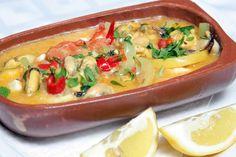 Υπέροχη συνταγή για μύδια σαγανάκι. Η κρεμώδης σάλτσα με την φέτα και τη μουστάρδα δίνουν το πιο νόστιμο σαγανάκι θαλασσινών. Συνοδεύστε με λευκό κρασί.