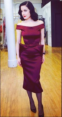 One more @Dita Von Teese #zacposen moment! #glamour #Dita