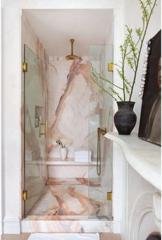 Pink marble enhances the bathroom with a feminine and chic touch, Bedroom Decor For Couples, Home Decor Bedroom, Diy Room Decor, Bedroom Ideas, Modern Bathroom Decor, Home Decor Kitchen, Bathroom Interior, Bathroom Furniture, Stone Bathroom