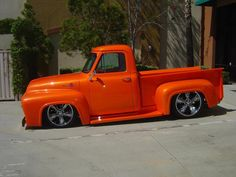 Ford the color orange pearl! This truck looks good! Hot Rod Trucks, New Trucks, Custom Trucks, Cool Trucks, Custom Cars, Cool Cars, Ford Classic Cars, Classic Trucks, Ford Pickup Trucks