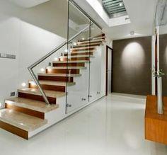 Przesłona szklana na schodach-zamknięci przestrzeni Interior Exterior, Modern Interior, Interior Design, Corridor Design, Glass Balustrade, Dordogne, Swimming Pools, Stairs, Indoor