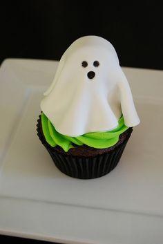 Ghost cupcake -  #halloween #recipes #food #ideas