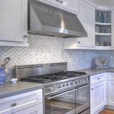 Best White Cabinets Marble Linear Backsplash Gray Quartz 640 x 480