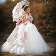 Pas cher Rétro robe Des Mariages flexible tuyau robe De stickers cristal grand arc FG44 2016 communion robe PK45 fille beauté robe robes, Acheter    de qualité directement des fournisseurs de Chine:bienvenue À Notre Magasinsur Nousbienvenue chaque client sincère qui s'enquiert ou achetez nos robes! nous vend