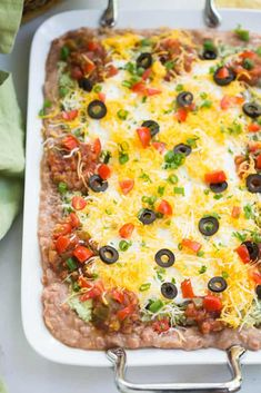 7 Layer Bean Dip -- part of The Most Delicious Appetizer Recipes 7 Layer Mexican Dip, 7 Layer Bean Dip, Layered Bean Dip, Mexican Dips, Mexican Appetizers, Appetizer Dips, Appetizer Recipes, Easy To Make Appetizers, Yummy Appetizers