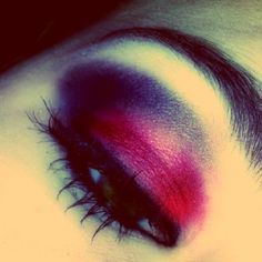 Maroon eyes for Autumn. Get the look with Baked-Eye-Colour in 04 Quartz from The Body Shop #TBSAW12