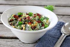 BROKKOLISALAT Frisk, Wok, Fruit Salad, Guacamole, Acai Bowl, Potato Salad, Side Dishes, Vegetarian Recipes, Grilling