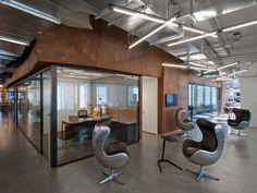 office Office Tour: Condé Nast Entertainment Offices – New York City Corporate Office Design, Office Space Design, Corporate Interiors, Workplace Design, Office Designs, Office Spaces, Work Spaces, Office Office, City Office