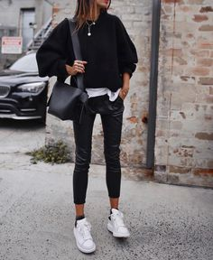 New Ideas for sport outfit ideas casual Winter Fashion Outfits, Look Fashion, Winter Outfits, Womens Fashion, Fashion Styles, Fashion Clothes, Fashion Check, Trendy Fashion, Fashion Ideas