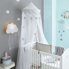 Baby bed with wooden bars white pastel star pattern – 131 cm – euros. Gray and white child bed sky – Songe Collection – 240 cm – euros.