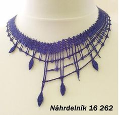 è possibile avere gli schemi  grazie  Nahrd Lace Necklace, Summer Necklace, Lace Jewelry, Metal Jewelry, Bobbin Lace Patterns, Fabric Ornaments, Lace Heart, Needle Lace, Lace Making