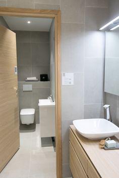 Bathroom Spa, Bathroom Ideas, Home Reno, Corner Bathtub, Toilet, Sweet Home, Bathroom Designs, Interior, Houses