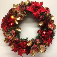 Fiery wreath with copper, red and gold. Copper Red, How To Make Wreaths, Door Wreaths, Christmas Wreaths, Christmas Swags, Wreaths, Holiday Burlap Wreath, Christmas Garlands
