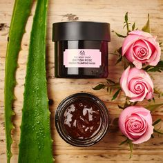 Glow for it this weekend! Apply a 100 vegan British Rose Mask infused with rose essence, rosehip oil, and Community Trade aloe vera tonight for smoother skin tomorrow. The Body Shop, Body Shop At Home, Creme Bio, Body Shop Skincare, British Rose, Real Rose Petals, Beauty Treats, Makeup Is Life, Organic Aloe Vera