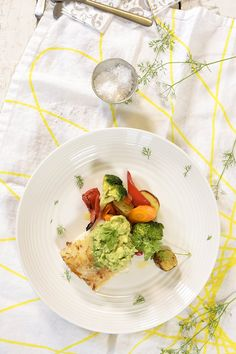 Stekt torsk med grønnsaker og guacamole Avocado Toast, Guacamole, Risotto, Mad, Breakfast, Ethnic Recipes, Morning Coffee