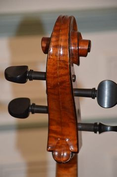 This Riccardo Genovese cello is signed on upper rib inside, LOB 748 mm, reviewed by French luthier, excellent condition. Beautiful and rare instrument...