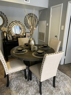 Dining Room Table Decor, Decor Home Living Room, Elegant Dining Room, Luxury Dining Room, Beautiful Dining Rooms, Dining Room Design, Kitchen Decor, First Apartment Decorating, Apartment Ideas