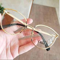 Loja Import21 (@lojaimport21) • Fotos e vídeos do Instagram Glasses Frames Trendy, Cool Glasses, New Glasses, Glasses Trends, Lunette Style, Fashion Eye Glasses, Eyewear, Sunglasses, Specs