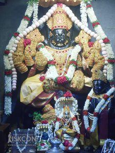 Download high resolution wallpaper pics at https://www.iskconbangalore.org/daily-darshan — at Iskcon temple Bangalore