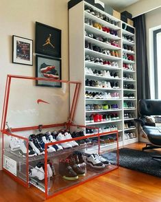 Shoe Rack Ideas - If you have a magnificent shoe collection in your house, a shoe organizer option is essential to keep them all under control. Room Ideas Bedroom, Bedroom Decor, Sneaker Storage, Shoe Storage Nike, Sneaker Rack, Hypebeast Room, Shoe Room, Shoe Wall, Shoe Display