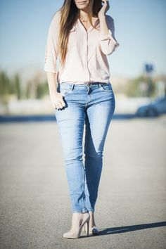 Blusa nude and jeans