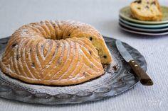 Moskosvische tulband van Cees Holtkamp (ook lekker met alleen chocoladestukjes of met kerst met gedroogde cranberries en stukjes witte chocolade)