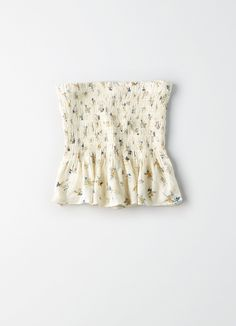 Christmas Gifts - AE Floral Tube Top by American Eagle Outfitters Best Casual Outfits, Teen Fashion Outfits, Cute Summer Outfits, Outfits For Teens, Cute Outfits, Tube Top Outfits, White Tube Tops, Strapless Tops, Sleeveless Tops