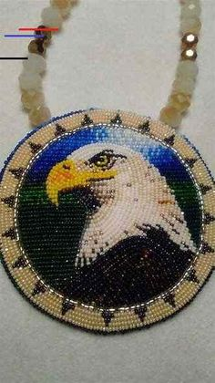 The History Of Native American Jewelry. We all know that beautifying oneself and making use of jewelry has actually been around since prehistoric times. Native Beading Patterns, Beadwork Designs, Seed Bead Patterns, Weaving Patterns, Jewelry Patterns, Bracelet Patterns, Indian Beadwork, Native Beadwork, Native American Beadwork