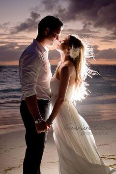 magic wedding photo moment, beautiful kind of photo