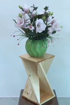 Diy Wooden Projects, Wood Projects That Sell, Wood Shop Projects, Small Wood Projects, Diy Furniture Plans Wood Projects, Wooden Diy, Wood Crafts, Kids Crafts, Workbench Plans Diy