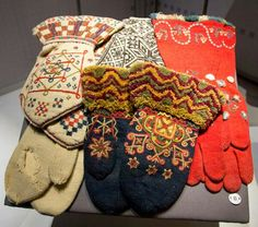 These blue mittens are how I envisioned the ones that Tate brings Wren as a gift from Norway Blue Mittens, Knit Mittens, Mitten Gloves, Folk Clothing, Antique Clothing, Historical Clothing, Scandinavian Folk Art, Viking Knit, Tribal Dress
