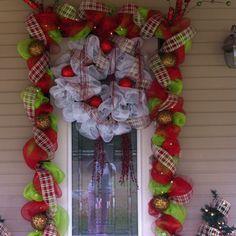Christmas front door Christmas Front Doors, Christmas Door, Christmas Ideas, Christmas Wreaths, Decorations, Holidays, Holiday Decor, Home Decor, Holidays Events