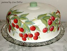 Love this ~ Cherries Cake Carrier Kitsch, Cherry Kitchen, Strawberry Kitchen, Cake Dome, Cherry Cake, Cherry Cherry, Cake Carrier, Dessert Aux Fruits, Cherries Jubilee