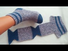 easy to knit, very comfortable to wear / easy socks with two skewers / knitted socks Knitting Blogs, Baby Knitting Patterns, Loom Knitting, Knitting Socks, Free Knitting, Crochet Patterns, Crochet Gifts, Crochet Baby, Knit Crochet