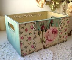 Get a wooden box like this and decorate for my office Decoupage Box, Decoupage Vintage, Wood Crates, Wood Boxes, Shabby Chic Crafts, Pretty Box, Altered Boxes, Diy Décoration, Sewing Box