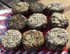 Easy to make vegan protein balls, made with roasted nuts, chia seeds and hemp protein powder. Protein Ball, Vegan Protein, A Food, Good Food, Runners Food, Vegan Runner, Hemp Protein Powder, Roasted Nuts, Blender Recipes