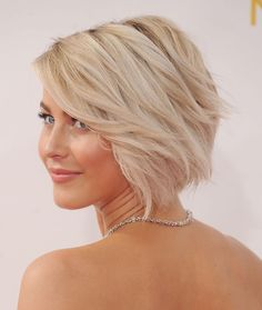 2014 Fall Hair Color Trends: Pictures For the Salon Back To School Haircuts, Short Hair Cuts, Short Hair Styles, Julianne Hough, Bleach Blonde Hair, Short Blonde, Ice Blonde, Great Hair, Hair Today