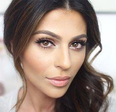 Simple yet flawless makeup.