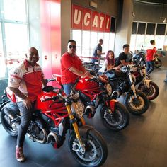 As promised our all Italian weekend we drop by Ducati Singapore and review the Ducati Multistrada S! Video will be out soon so LIKE FOLLOW and Subscribe to our Youtube Channel.  #sgcarshoots #sgexotics #speed#sgcaraddicts #singapore #sgcars #sportscars #revvmotoring  #nurburgring #instacar #carinstagram #hypercars #monsterenergy #excitement #epic #visit_singapore #carswithoutlimits #fastcars  #drifting #motorsports #love #gopro #monsterenergysg #instagrammers  #supercarlifestyle #speedy