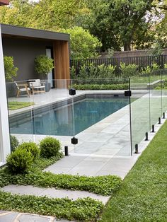 Swimming Pool Landscaping, Swimming Pool Designs, Backyard Landscaping, Garden Swimming Pool, Backyard Patio, Backyard Pool Designs, Small Backyard Pools, Outdoor Pool Areas, Backyard Ideas