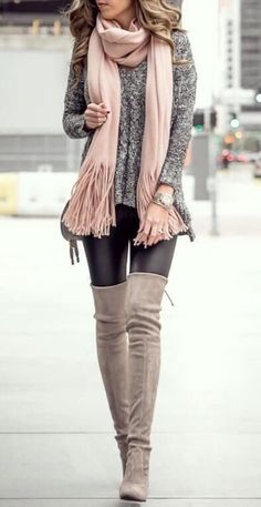 Classy casual sweater oversized winter outfits minimal classic street style inspiration Simple stylish dress up black leggings this fall Cool fashionable brown knee high. Black Women Fashion, Look Fashion, Autumn Fashion, Trendy Fashion, Fashion 2018, Feminine Fashion, Trendy Style, Cheap Fashion, Ladies Fashion