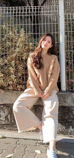 Korean Girl, Asian Girl, My Girl, Cool Girl, Rapper, Kpop Girl Bands, Fashion Illustration Dresses, Nayeon Twice, Twice Dahyun