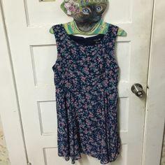 Forever 21's Floral Dress w Key Hole on the Back EUC Forever 21 Dresses Mini