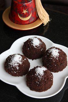 Puf Pasta | Yemek Zevki Pasta Cake, Cake Recipes, Dessert Recipes, Good Food, Yummy Food, Turkish Recipes, Afternoon Tea, Cake Cookies, Chocolate Cake