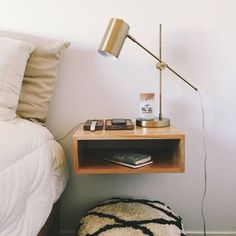 Ideas Diy Home Decor Bedroom Small Rooms Space Saving Bedside Tables For 2019 Small Nightstand, Wood Nightstand, Floating Nightstand, Nightstand Ideas, Bedside Shelf, Floating Chair, Floating Shelves Bedroom, Diy Home Decor Bedroom, Bedroom Ideas