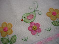 Bird and flower applique Wool Applique, Applique Patterns, Applique Quilts, Applique Designs, Embroidery Applique, Embroidery Stitches, Quilt Patterns, Machine Embroidery, Embroidery Designs