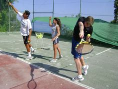 Playing tennis in La Herradura. Learn Spanish in the morning, and play tennis in the afternoon. A great combination! www.spanish-school-herradura.com