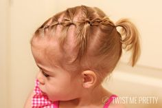 Don´t you think this is the cutest toddler´s up do ever?