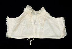 Snowshill Manor © National Trust   Chemisette worn over gown 1820-30